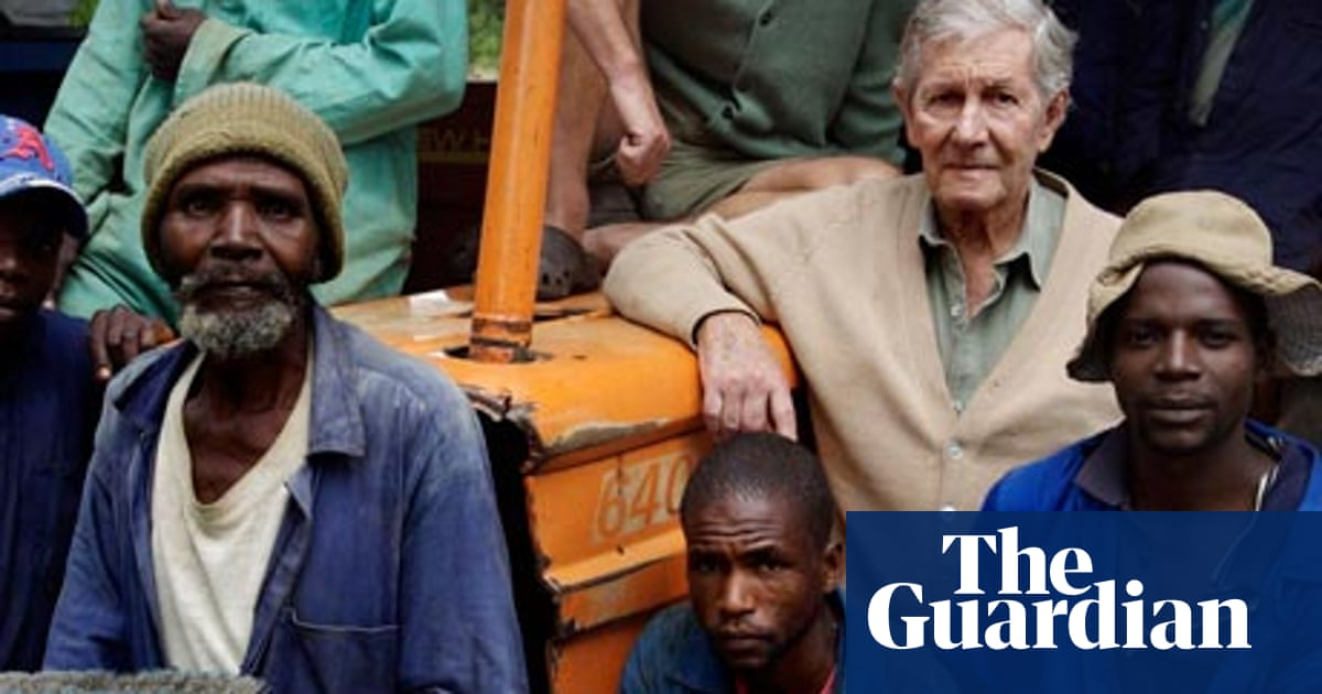 Mike Campbell obituary | World news | The Guardian