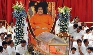 Thousands queue to pay respects to Sai Baba | World news