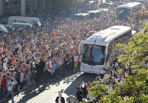 Champions League: Real Madrid v Barcelona - UEFA Champions League Semi Final