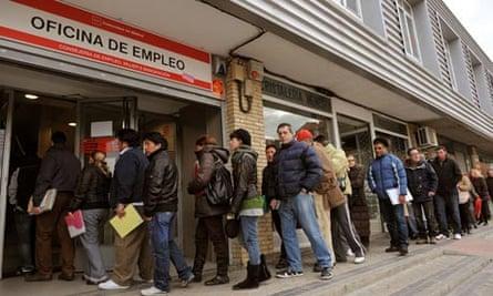 Spanish Job Centers as Spain Meets Deficit Goal
