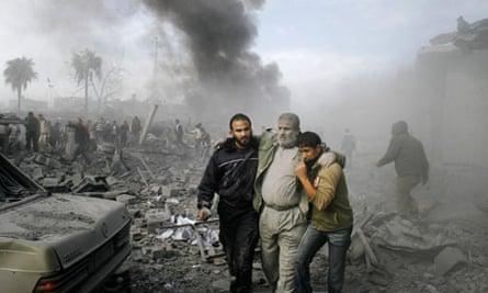 Palestinan injured Gaza Dec 2008