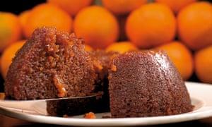 Hot marmalade pudding