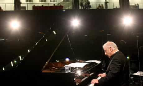 Daniel Barenboim rehearsal - London