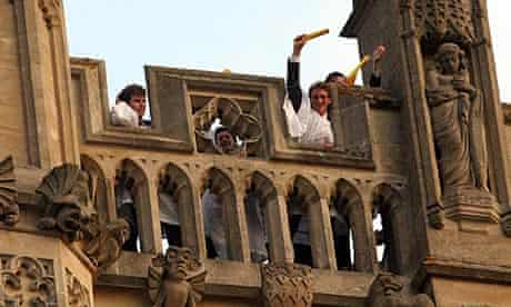May Day prompts early risers to the tower at Magdalen College to hear a dawn chorus