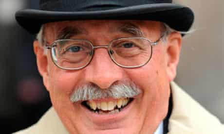 Professor Richard Holmes dies