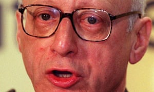 Gerald Kaufman has complained after receieving a Downing Street letter 'signed' by a fake official