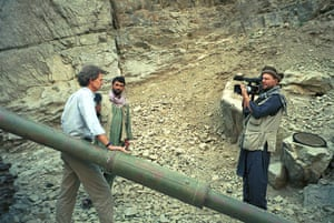 Vaughan Smith filming the BBC correspondent David Loyn