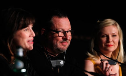 Charlotte Gainsbourg, Lars von Trier and Kirsten Dunst at Melancholia press conference at Cannes