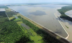 Mississippi floods: Mississippi River continues to flood property and farms
