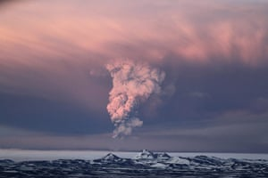 iceland volcano: Smoke plumes from the Grimsvotn volcano