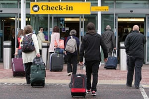 Volcano travel disruption: Edinburgh airport
