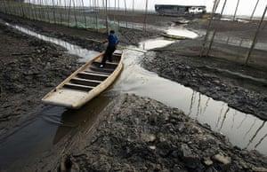 Drought in China: Honghu Lake in Luoshan county, Hubei province