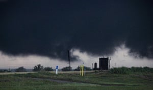 Tornadoes in US: Storm inflow moving into a half-mile-wide tornado
