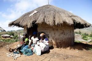 Maternal Health : Antenatal and postnatal support in Malawi