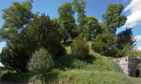 Marolborough college mound
