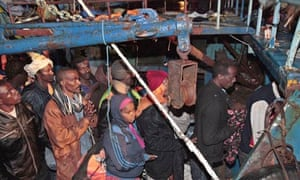 Refugees from Libya reach Lampedusa