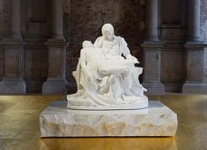 Venice biennale: Jan Fabre's Pietas