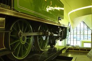 Riverside Museum Glasgow : A steam locomotive