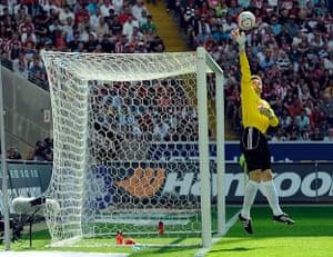 Unwanted players transfer: Bayern Munich goalkeeper Hans Joerg Butt