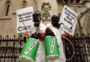 Friends of the Earth: Aventis/ Friends of the Earth protest