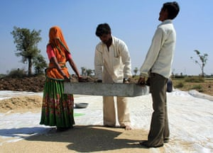 Ashden Awards: International finalists 2011 : Abellon CleanEnergy Ltd Gujarat, India
