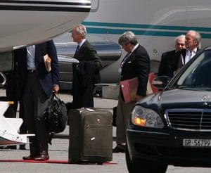 Bilderberg: Richard Perle gives a lift home to Francisco Balsem