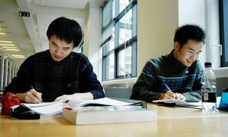 overseas students LSE