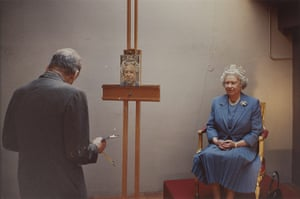 Government Art Collection: David Dawson, Lucian Freud painting the Queen 2001, Photograph
