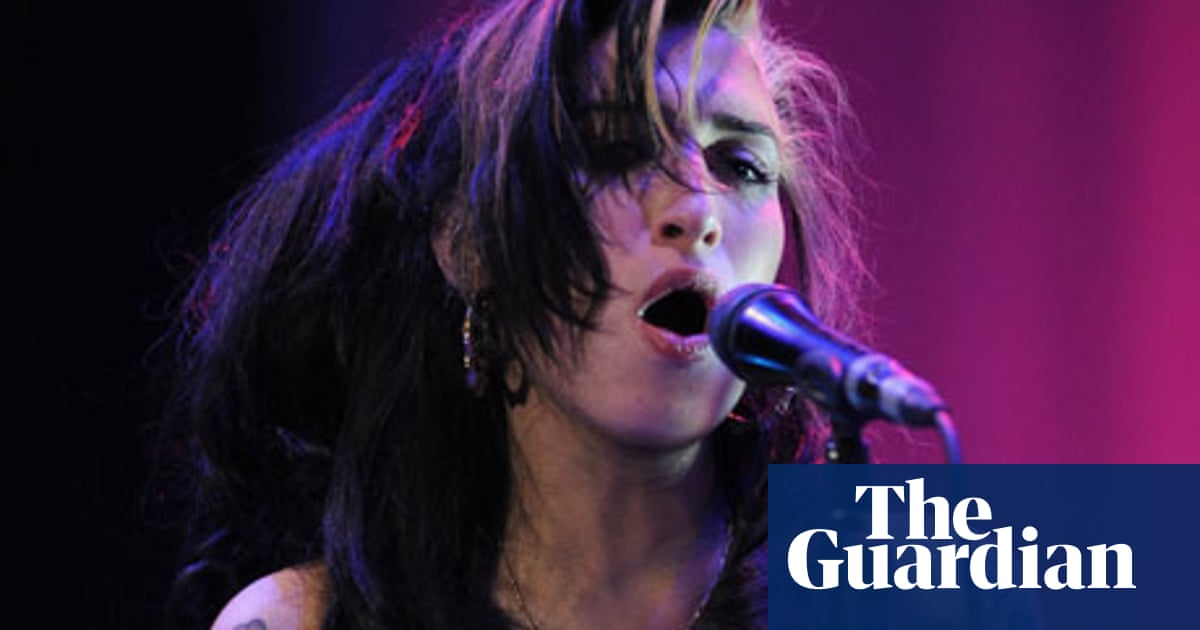 Was Amy Winehouse S Belgrade Gig Really That Bad Amy Winehouse The Guardian