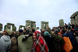 Summer solstice: Revellers gather at the stones
