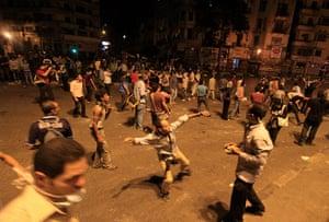 Cairo Clashes: Demonstrators throw stones
