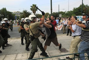 Greek strike day 2: Protesters clash with police