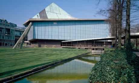Commonwealth Institute, Kensington High Street, London, 1958. Photographed 1990. Architect: RMJM
