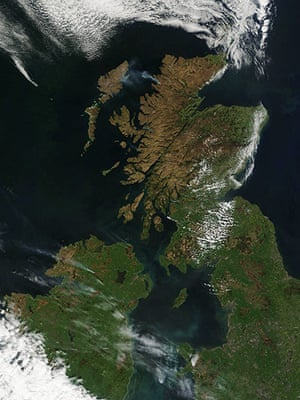 Satelitte Eye on Earth: Smoke from wildfires in Northern Ireland and Scotland