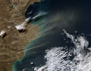 Satelitte Eye on Earth: Dust plumes blew off the Argentina coast