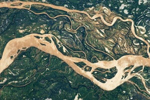 Satelitte Eye on Earth: The Paraná River