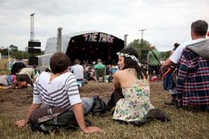 Glastonbury 2011: Festival-goers enjoy The Park area