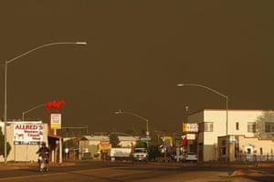 Arizona Wildfires: Motorists travel along U.S. Highway 60 in Springerville