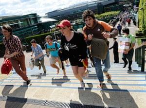 Wimbledon day 11: Tennis fans rush to get the best spots on Murray Mount