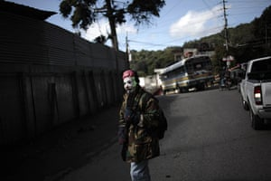 24 hours in pictures: aremed militia in El Aguacate, Guatemala