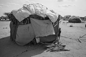 Somalia by Robin Hammond: A makeshift shelter at the Dadaab refugee camp in eastern Kenya