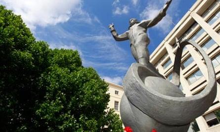 Yuri Gagarin statue London