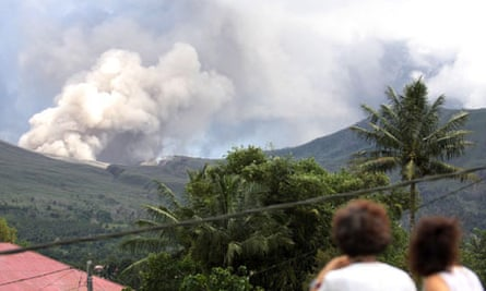 Mount Lokon spewing volcanic ash on Sunday, releasing the greatest amount of energy so far