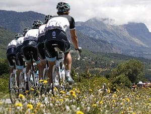 Tour de France stage 17: Leopard-Trek riders head towards the hills