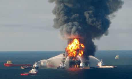 Deepwater Horizon rig burns