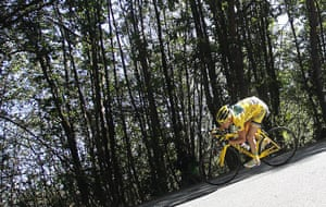 TDF Stage 17: Yellow jersery holder Thomas Voeckler speeds downhill
