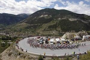 TDF Stage 17: The peloton climbs Saint Marguerit