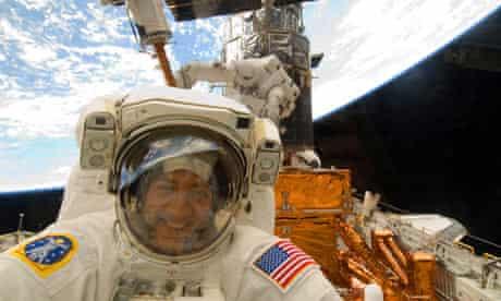 Spacewalk to repair Hubble Space Telescope