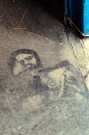 Religious Faces: The face of Jesus Christ which appeared in the doorway of an office