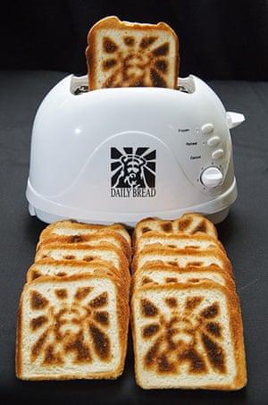 Jesus Toast: Toast from the 'Jesus Toaster'